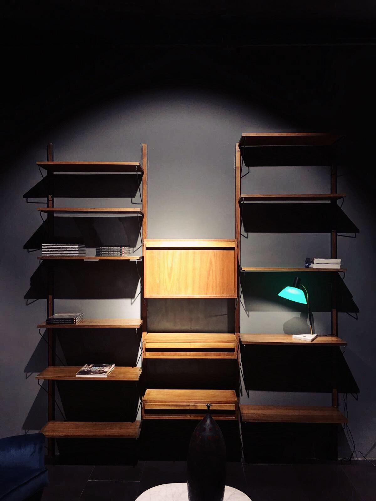 libreria a muro in legno 3