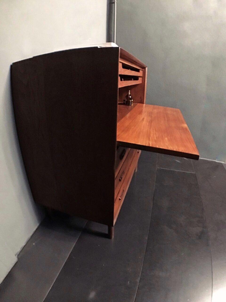 mobile in legno ad incastro 1