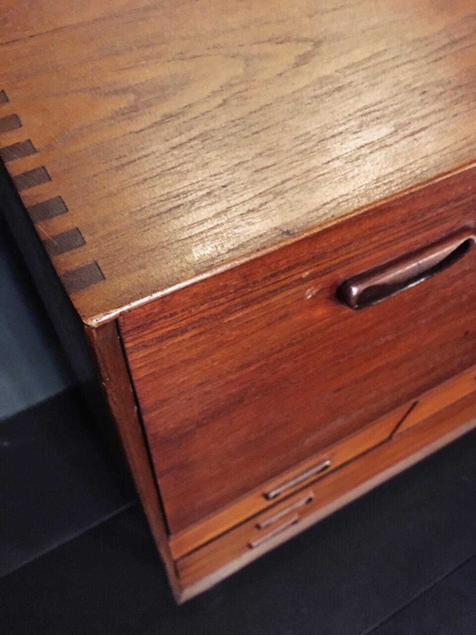 mobile in legno ad incastro 2