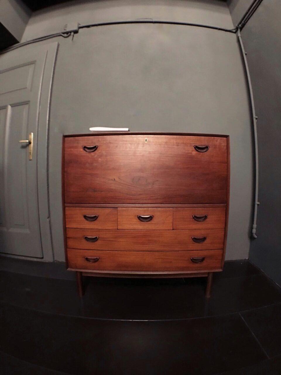 mobile in legno ad incastro 3